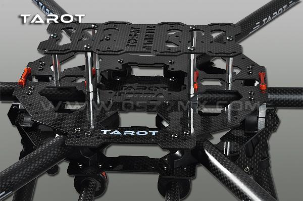 Tarot_690S_d.jpg